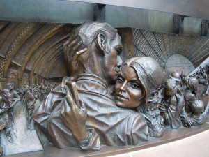 The Meeting Place, Sculpture by Paul Day, London. Picture: Patrice78500, wikimedia commons